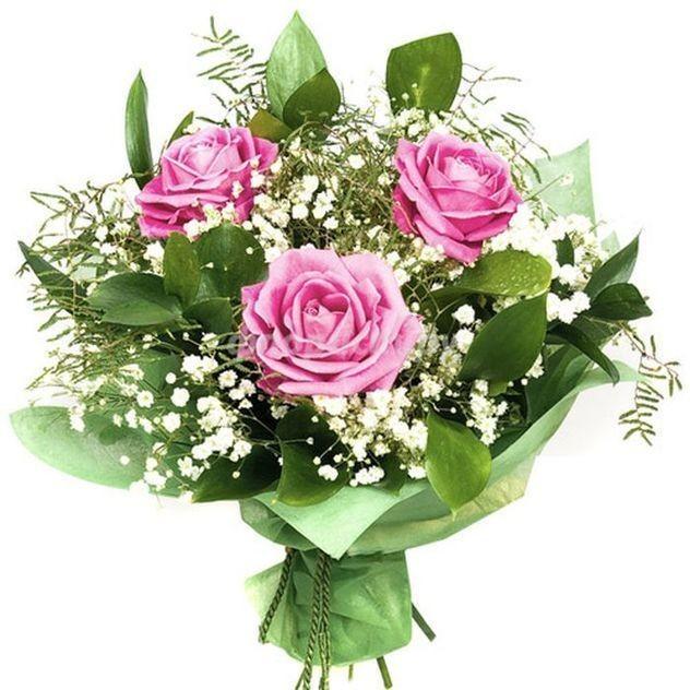 """Букет """"3 розы в воздушной зелени"""""""
