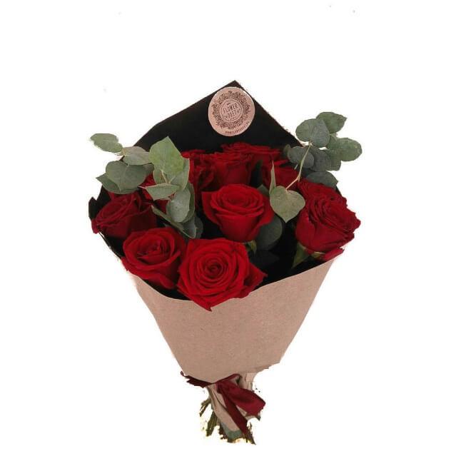 """Букет """"11 красных роз с зеленью"""""""